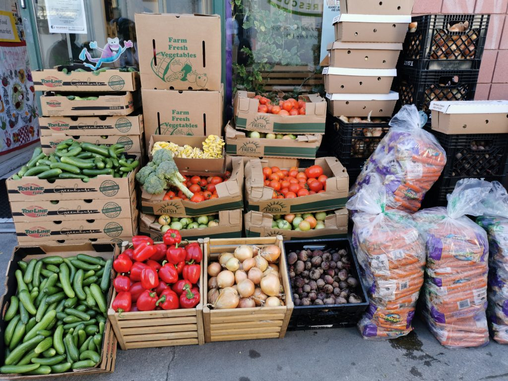 Food waste education around recovery and hunger relief